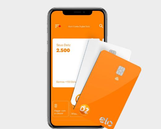 Smartphone com o aplicativo da Dotz aberto. Predomina a cor laranja no app. Dois cartões na frente do celular (imagem virtual/3D) nas cores laranja e cinza claro